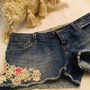 Vanilla Start shorts